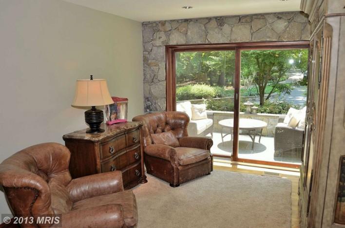 0 Springvale family room w stone
