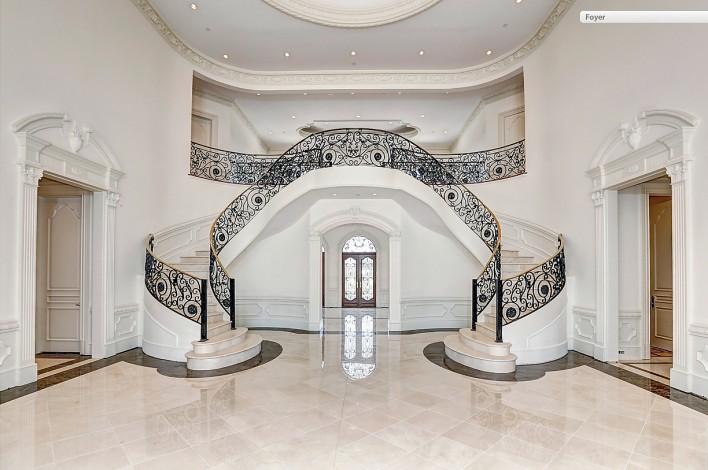9005-Durham-grand-hallway