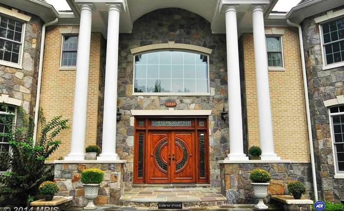 11505-Lake-Potomac,-front-porch