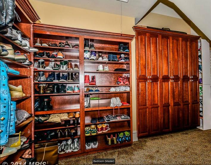 40546-Spectacular-bid--shoe-closet