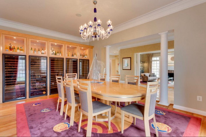 7825-Loughran-dining-room-winecellar