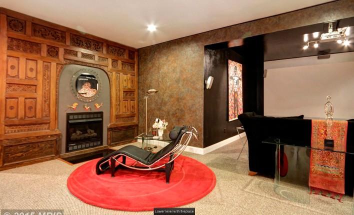 823-Thomas-Run-downstairs-fireplace